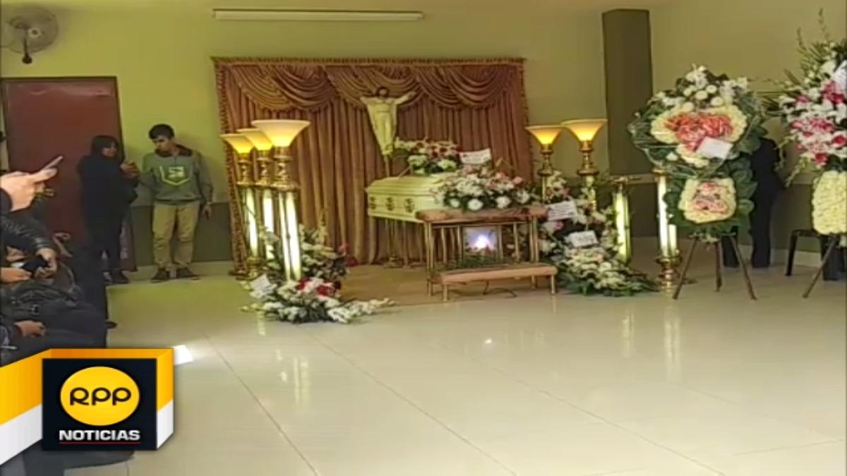 Los restos de esta joven estudiante son velados en su vivienda ubicada en la urbanización Patazca de Chiclayo.
