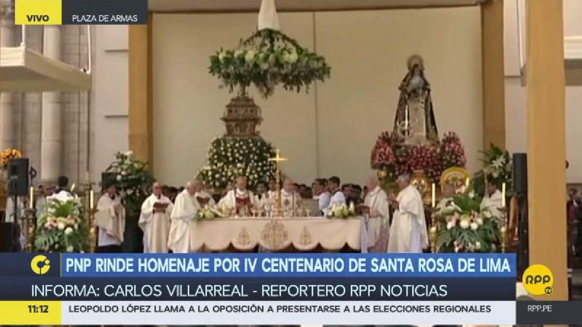 La misa en honor a Santa Rosa estuvo presidida por el arzobispo emérito de Quito, cardenal Raúl Eduardo Vela Chiriboga.