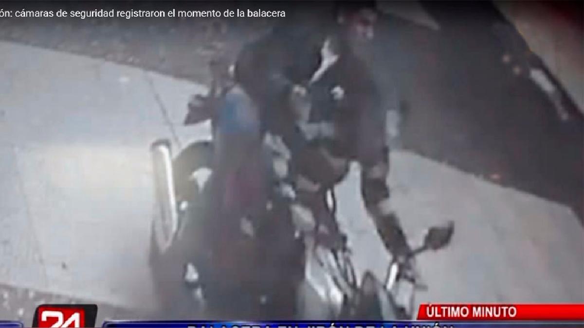 Varias cámaras de vigilancia del centro de Lima captaron la balacera.
