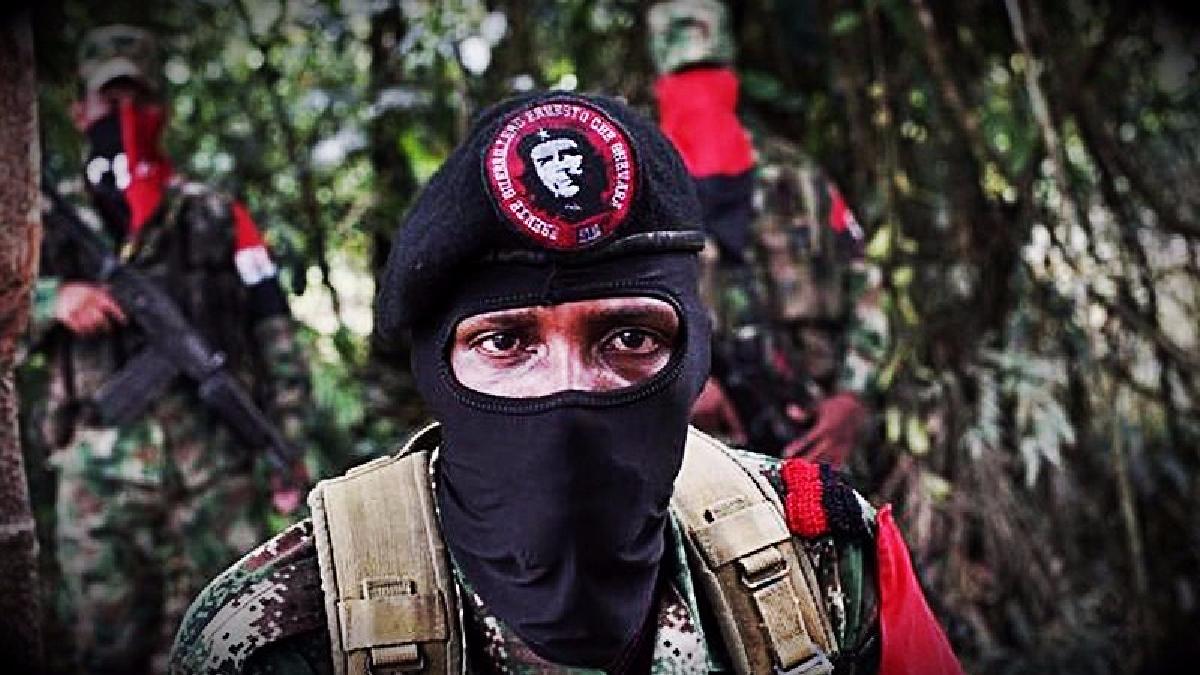 El comandante del Frente Ernesto Che Guevara del ELN, Yerson, fue quien confirmó la muerte del ruso.