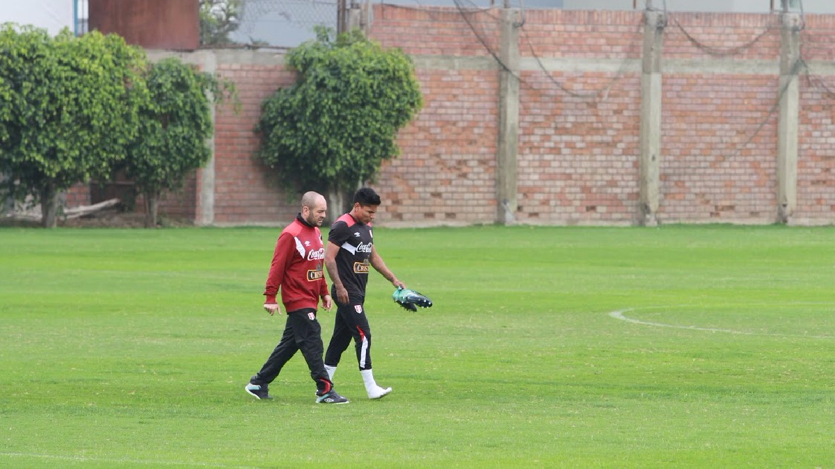 Así se retiró Raúl Ruidíaz de las prácticas de la Selección Peruana en la Videna.