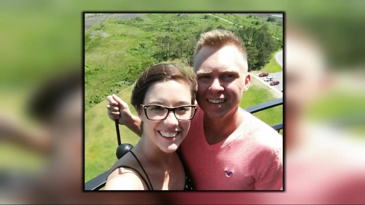 Matthew James y Laura Phelps estaban casados desde hace menos de un año.