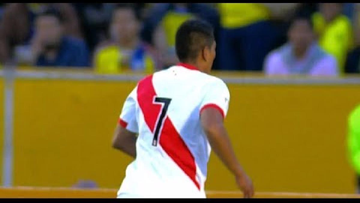Así fue el gol que Paolo Hurtado le marcó a Ecuador.