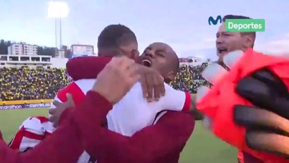 La Selección Peruana ganó por primera vez en Quito. Edison Flores y Paolo Hurtado fueron los héroes peruanos.