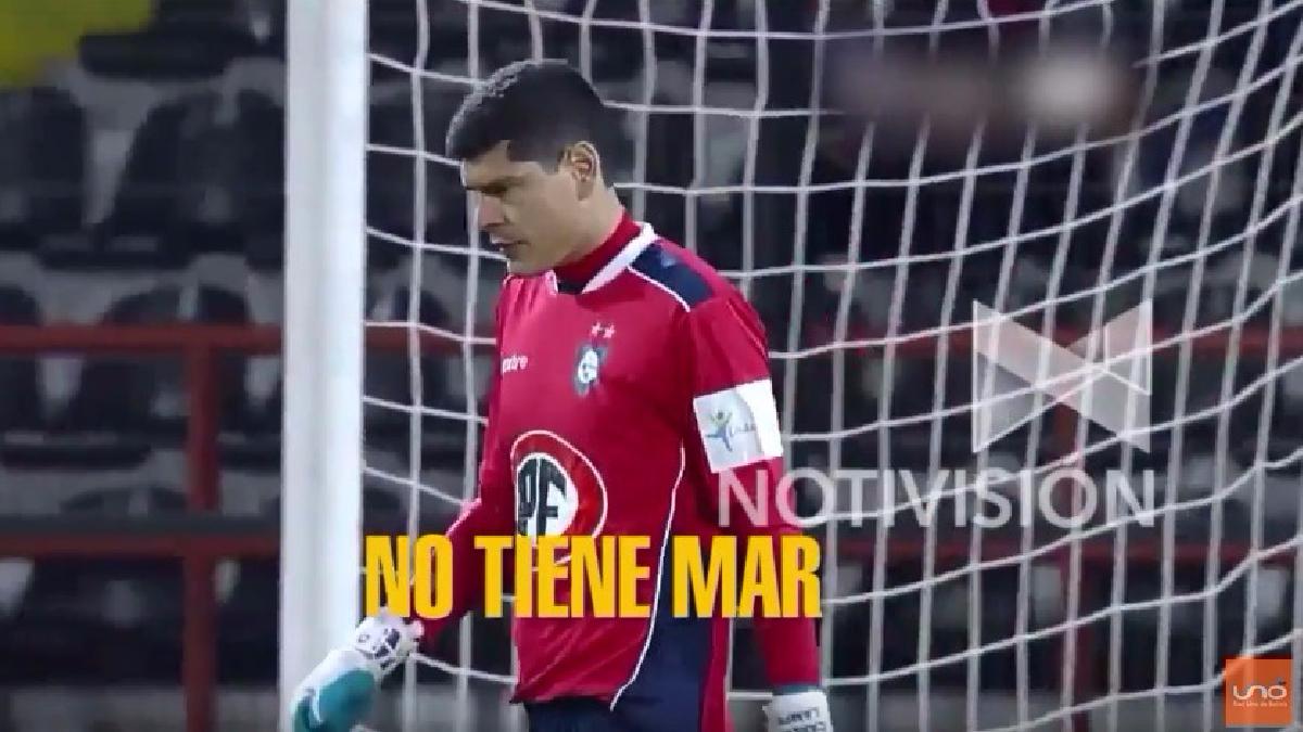 Carlos Lampe tapó en el triunfo de Bolivia ante Chile por las Eliminatorias.