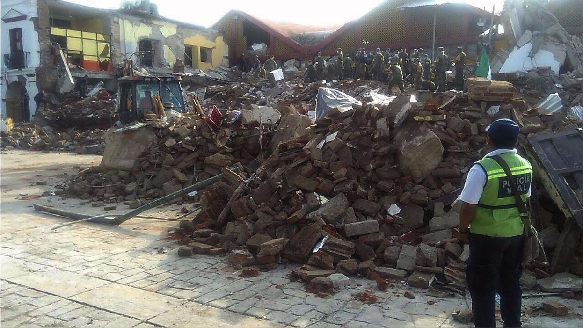 La cifra de muertos por el terremoto aumenta con el transcurrir de las horas.