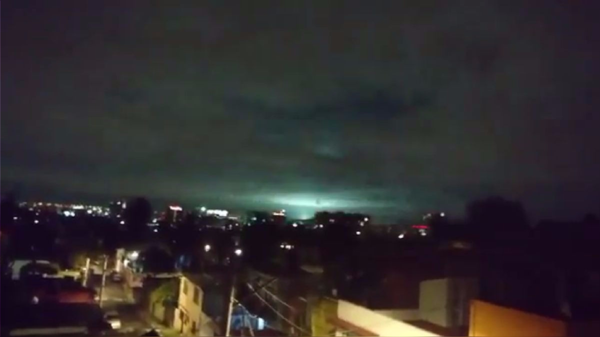 Así fueron las luces en el cielo mexicano durante el terremoto.