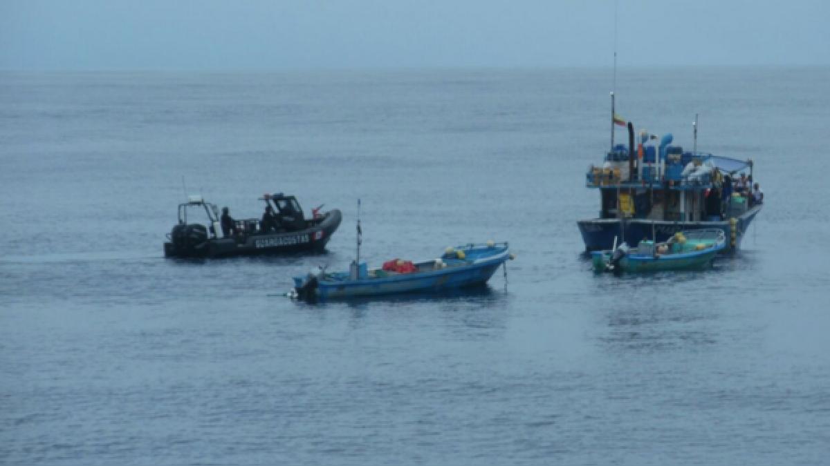Las embarcaciones fueron intervenidas al sur de Tumbes.