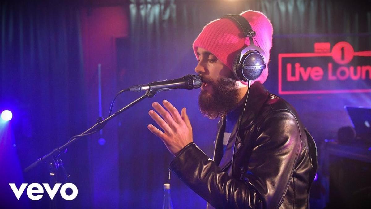 Leto decidió brindarle un reconocimiento póstumo a estrellas musicales que murieron este año, a través de la nueva edición de BBC Radio 1, titulada Live Lounge.