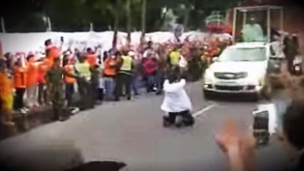 La caravana del papa realizó un recorrido por las calles de la ciudad de Villavicencio.