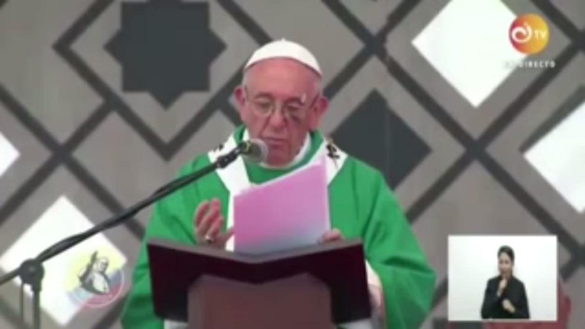El papa desde Colombia pide también esfuerzos para acabar con lacra del narcotráfico