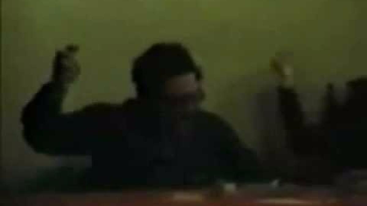 A través de un vídeo en el que se observa a Abimael Guzmán y su segunda esposa, Elene Iparraguire, bailando la canción 'Zorba, el griego', los miembros del GEIN se aseguraron que el líder terrorista se encontraba con vida.