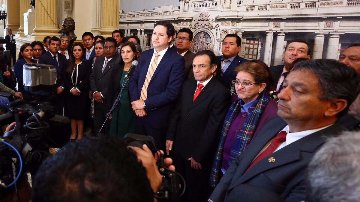 Antes de conocerse el fallo del TC, Fuerza Popular presentó la ley que propone la creación de la bancada mixta.