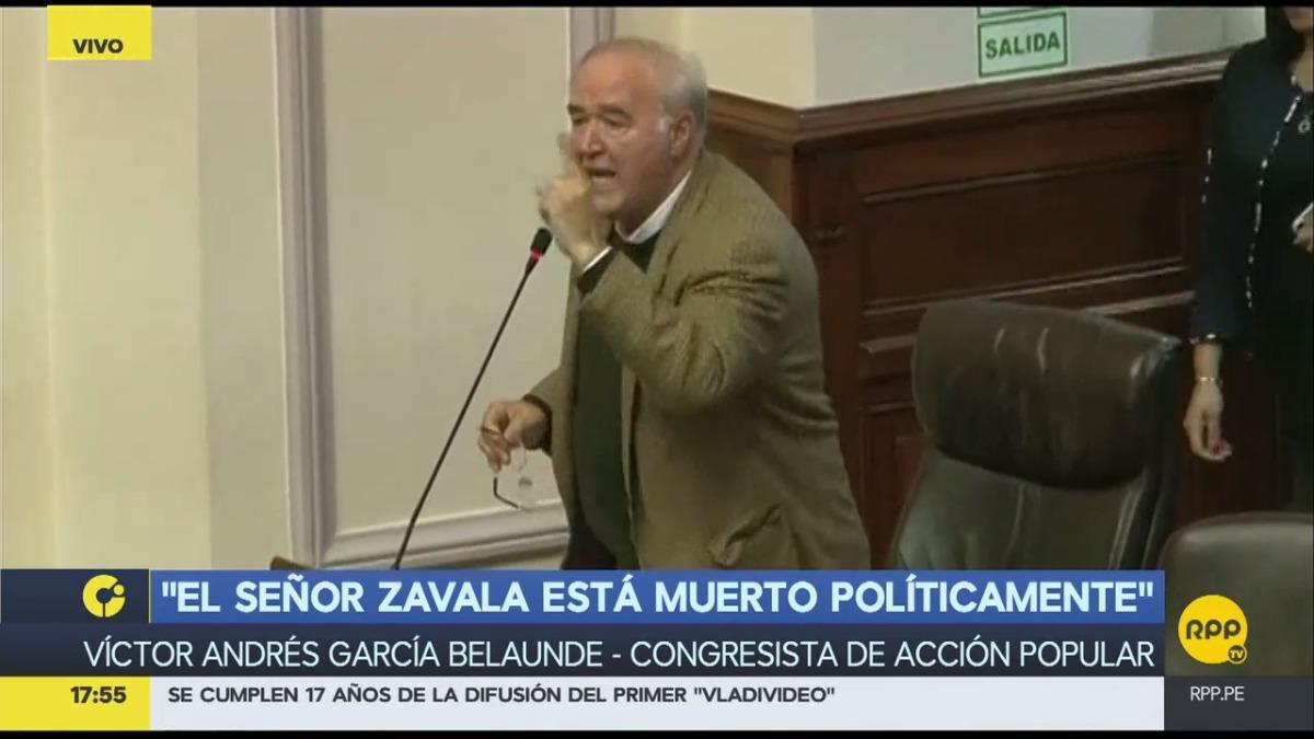 El congresista de Acción Popular dijo esta mañana en RPP que Zavala no puede estar sacando cara por cada ministro.