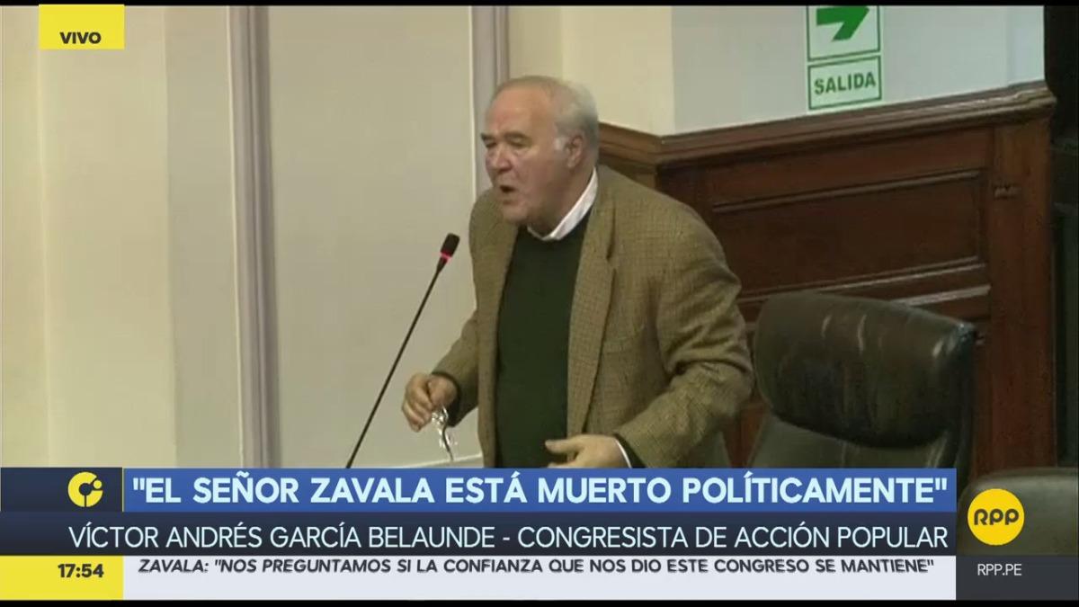 En su intervención, García Belaunde tuvo un breve altercado con el congresista Gino Costa.
