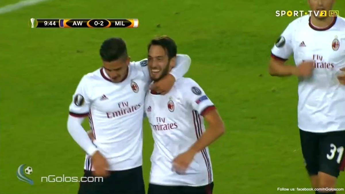 Hakan Calhanoglu tiene 4 Asistencias con el AC Milan en este comienzo de temporada.