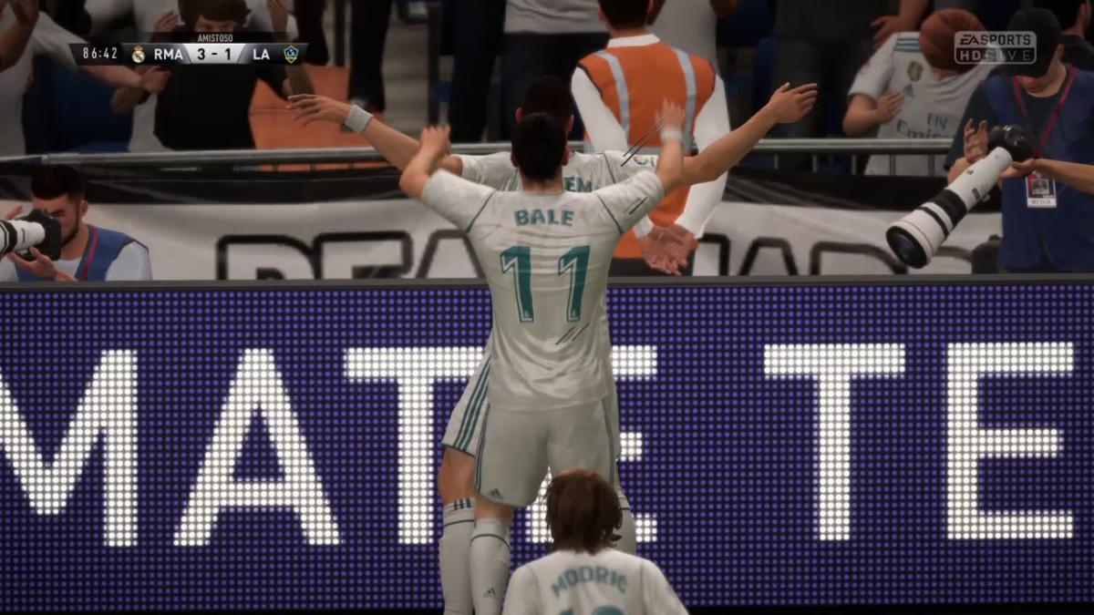 Jugando la demo me salió un golazo con el Real Madrid.
