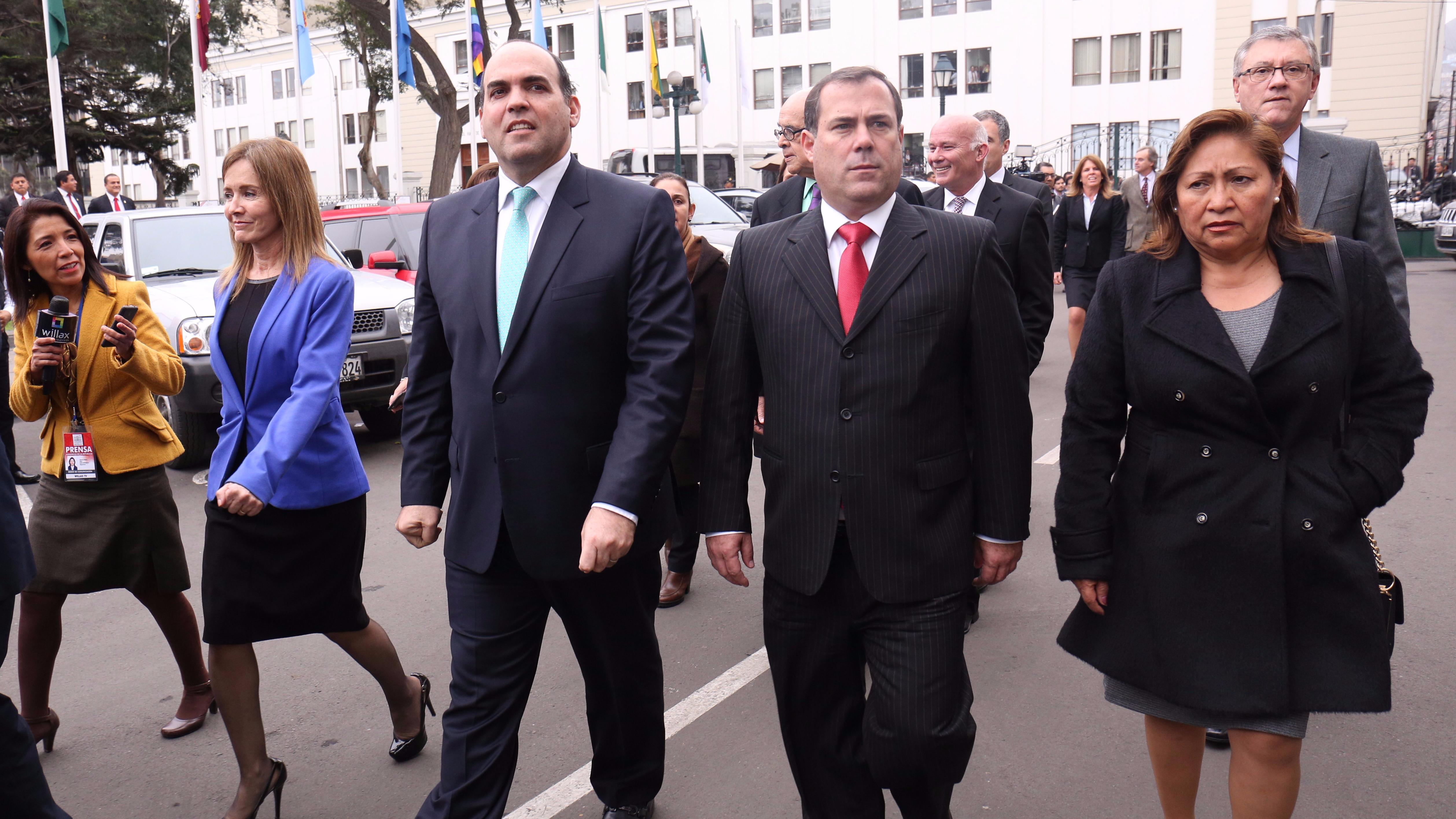 La cuestión de confianza solicitada por el gabinete presidido por Fernando Zavala fue rechazado la madrugada del viernes en el Congreso.