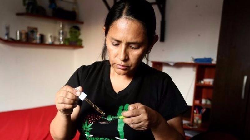 Ana Álvarez comentó que esta medicina beneficia a cientos de pacientes con diversas enfermedades.