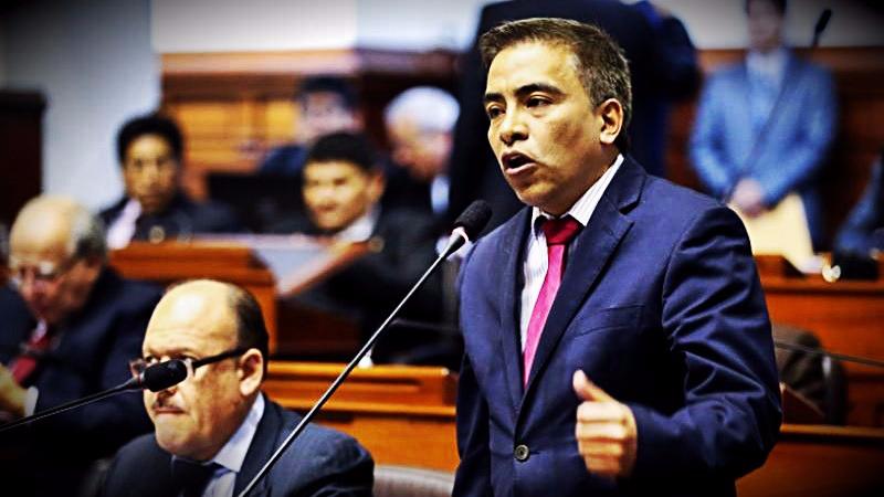 El parlamentario comentó que mantiene una buena relación con sus excolegas de bancada y con el Ejecutivo.