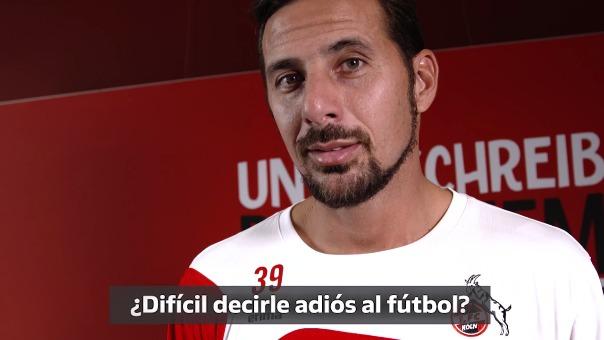 Claudio Pizarro con casi 39 años firmó por el Colonia de Alemania.