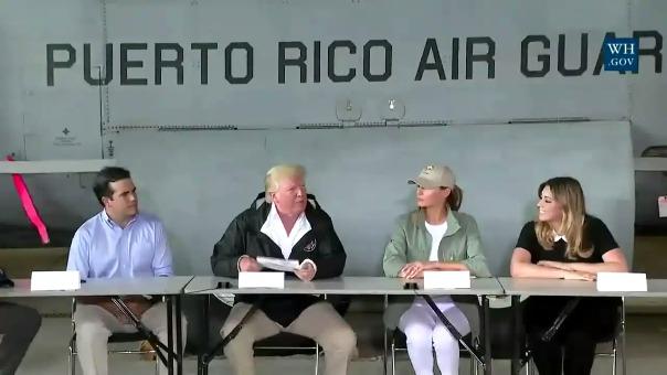 Donald Trump se reunió con el gobernador de Puerto Rico, Ricardo Rosselló, y con otras autoridades locales.