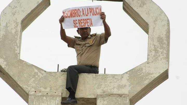 Policía protestó contra gestión de Basombrío.
