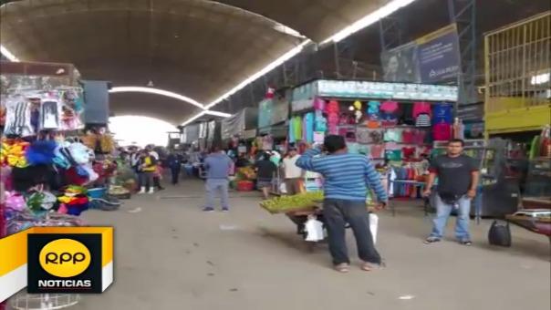 Los comerciantes indican que se sienten abandonados por las autoridades de ambas comunas.