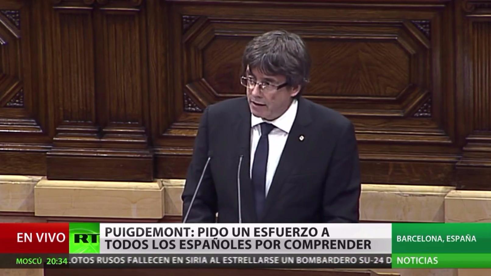 El discurso de Puigdemont en el que declaró la independencia en el Parlamento, pero la deja en suspenso