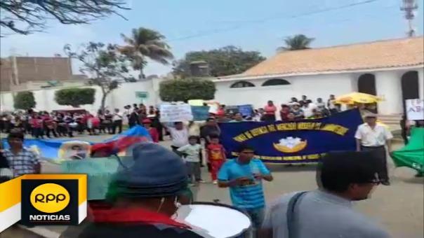 Los usuarios protestaron en la sede de la oficina zonal de Epsel ubicada en esta ciudad.