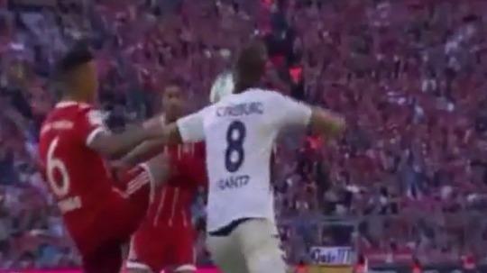Revive el gran lujo de Thiago Alcántara contra el Friburgo en la Bundesliga.