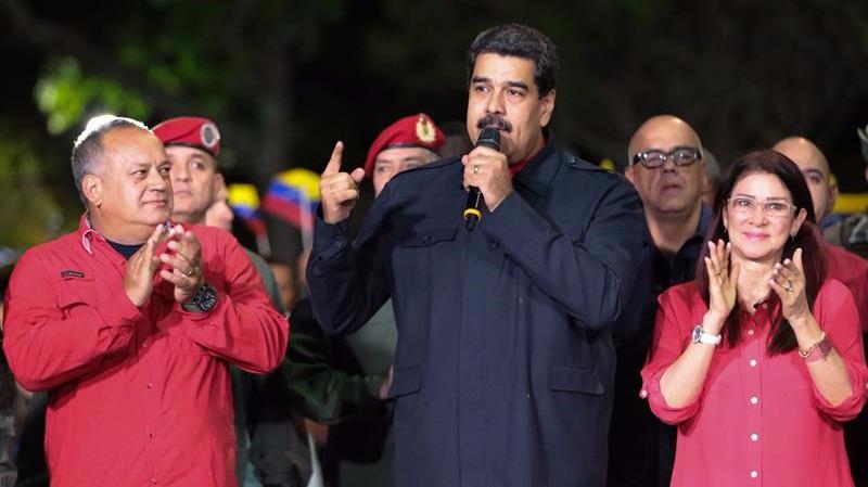 El mandatario venezolano Nicolás Maduro mientras habla durante una alocución tras conocerse los resultados oficiales de las elecciones regionales.