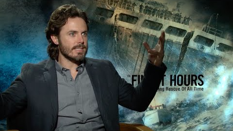 El ganador del Oscar Casey Affleck TAMBIÉN Habla Español