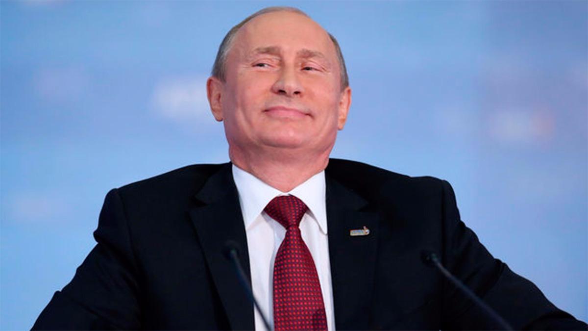Putin mostró su lado risueño durante una reunión con sus ministros.