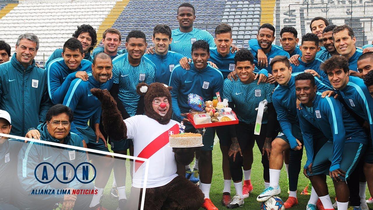 Así fue la sorpresa que recibió Miguel Araujo en práctica de Alianza Lima.