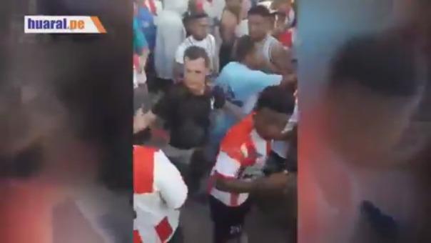 Los hinchas de Unión Huaral le reclamaron a los jugadores por la caída ante César Vallejo.