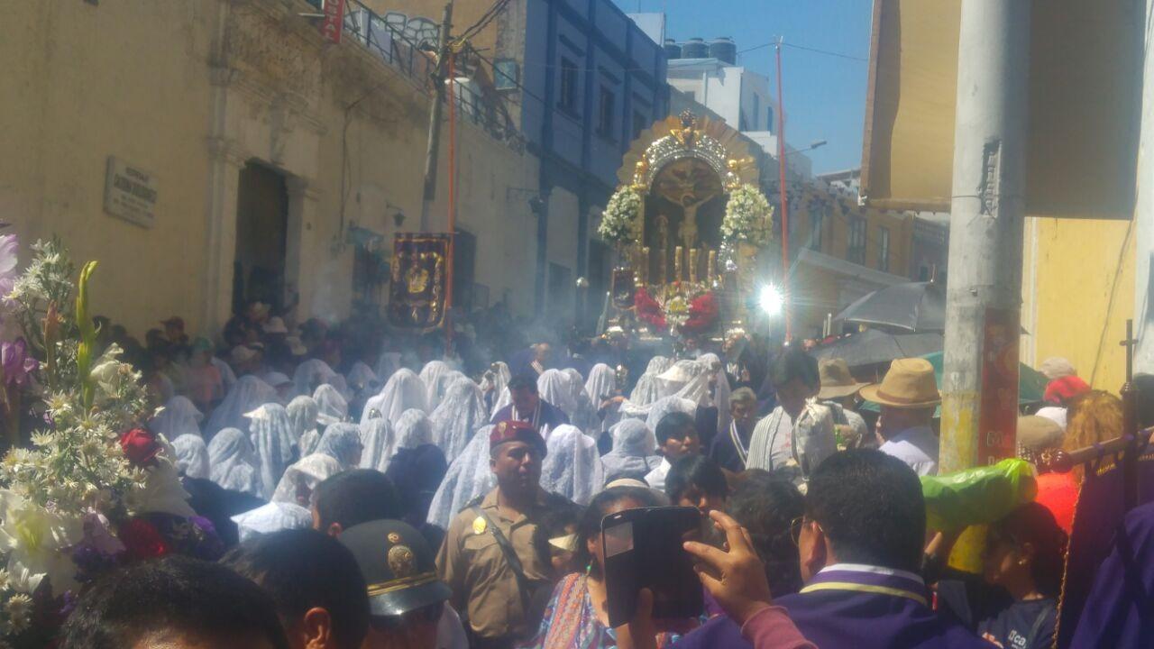 Sagrada imagen salió desde el templo de San Agustín para realizar su último recorrido procesional hasta el próximo año.