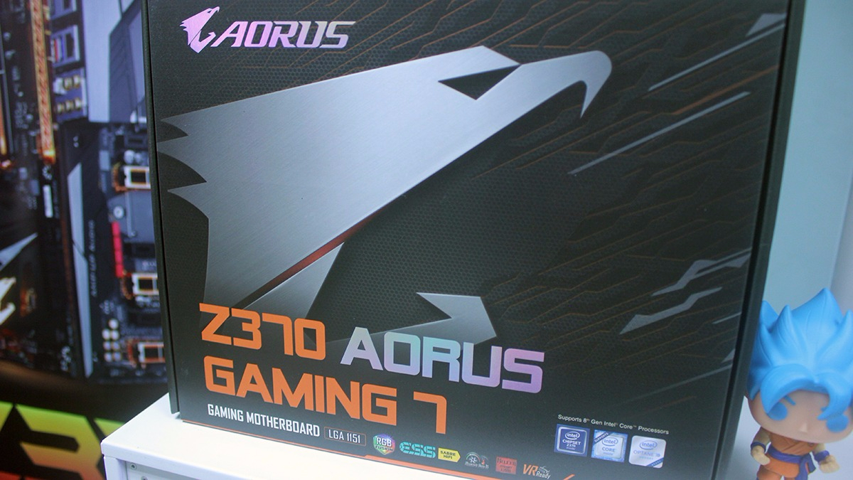 Boris mostró la placa Z370 Aorus Gaming 7.