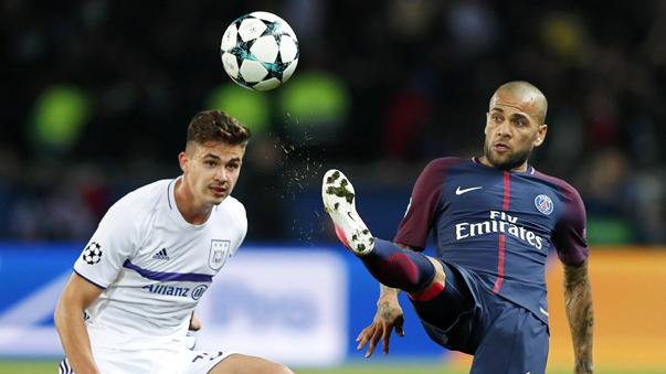 Dani Alves militó en el Bahía, Sevilla, Barcelona, Juventus y ahora en el París Saint-Germain F. C.