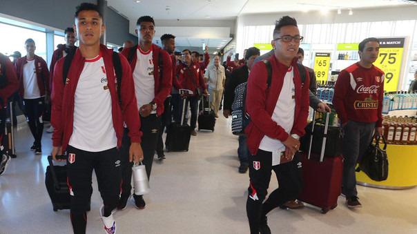 La Selección Peruana viajó 14 horas desde Lima a Auckland en Nueva Zelanda.