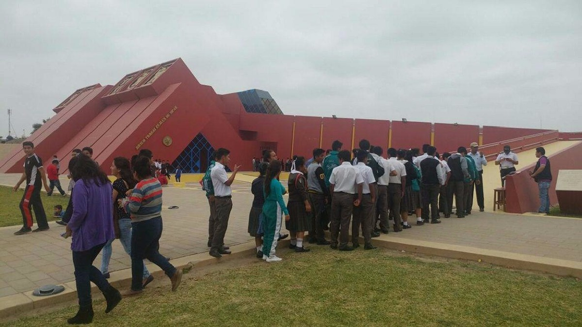 Los más felices en su visita al museo fueron los escolares que llegaron en numerosas delegaciones.