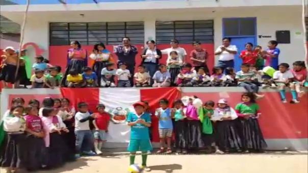 Niños de Salas envían mensaje a la Selección Peruana.