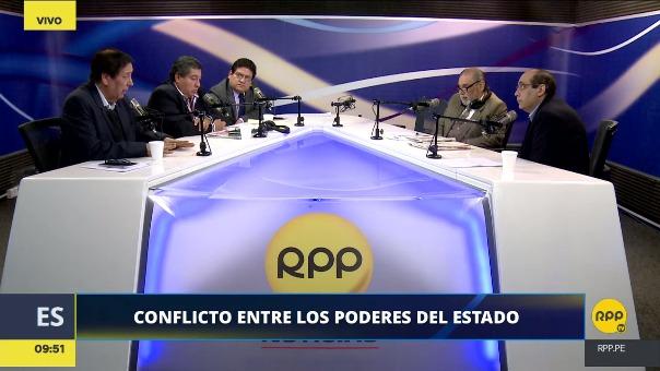 Enrique Bernales, Aníbal Quiroga, Joseph Campos y Fernán Altuve debatieron sobre el conflicto institucional que se ha originado en el Estado.