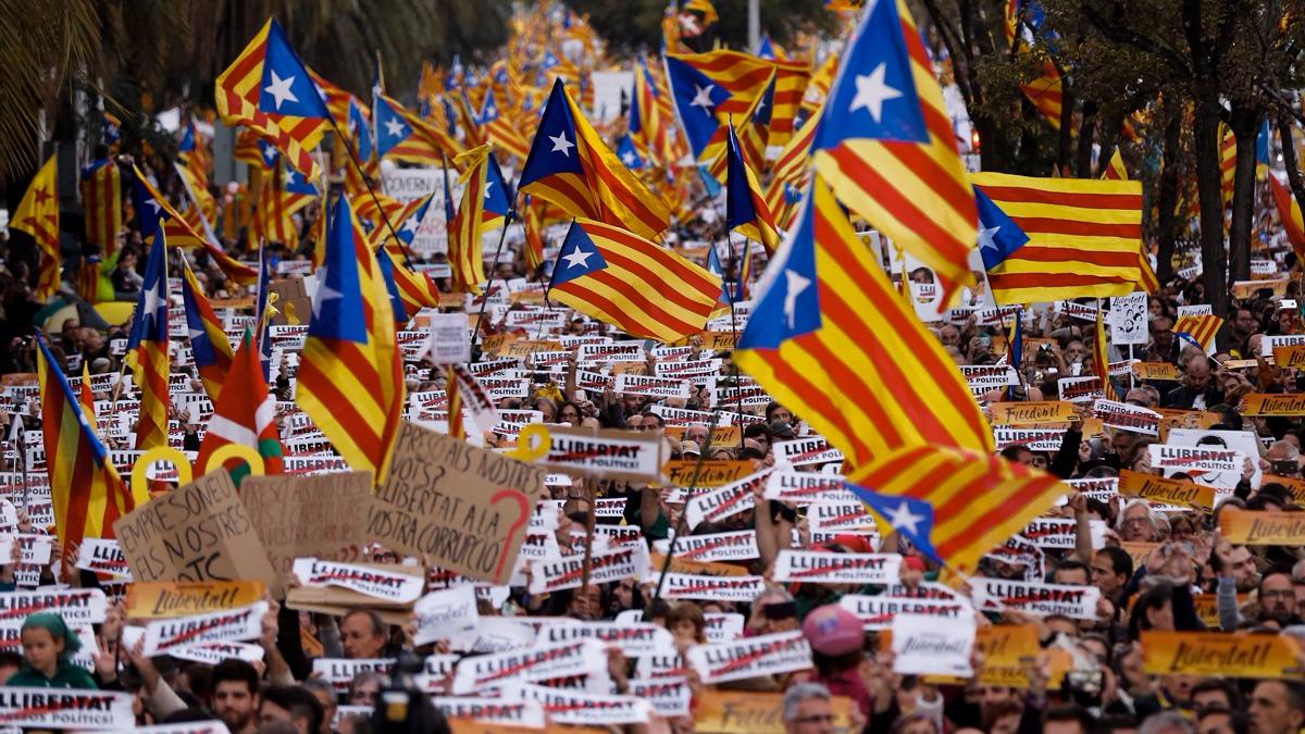 La manifestación comenzó por la tarde (hora de España) y se extendió hasta la noche.