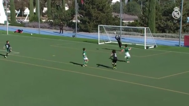 El pequeño Enzo Alves destaca en las divisiones menores del Real Madrid.