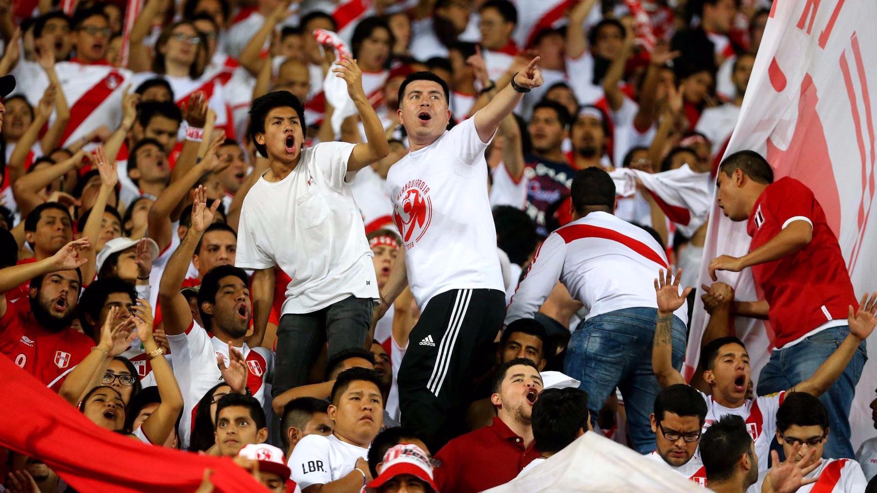 Hinchas en el partido Perú vs. Nueva Zelanda por la clasificación al Mundial Rusia 2018.