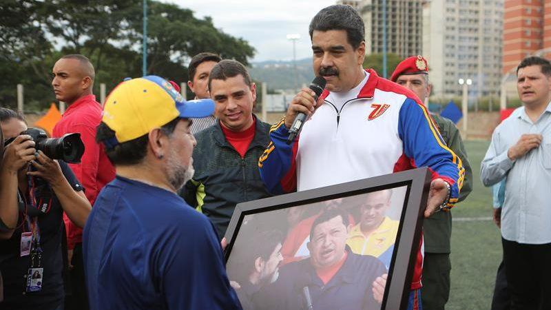 """Luisa Ortega Díaz presentó """"más de mil elementos probatorios"""" contra Nicolás Maduro y varios de sus ministros."""