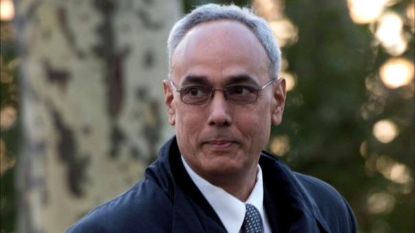 Manuel Burga sustituyó a Nicolás Delfino en el cargo de presidente de la FPF en el 2002.