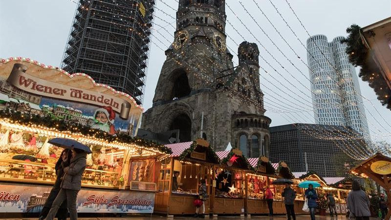 Las doce víctimas del atentado del pasado 19 de diciembre fueron recordadas durante la inauguración.