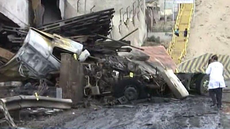 Inicialmente se habló de dos muertos, pero luego se confirmó que en el camión también viajaba un niño.